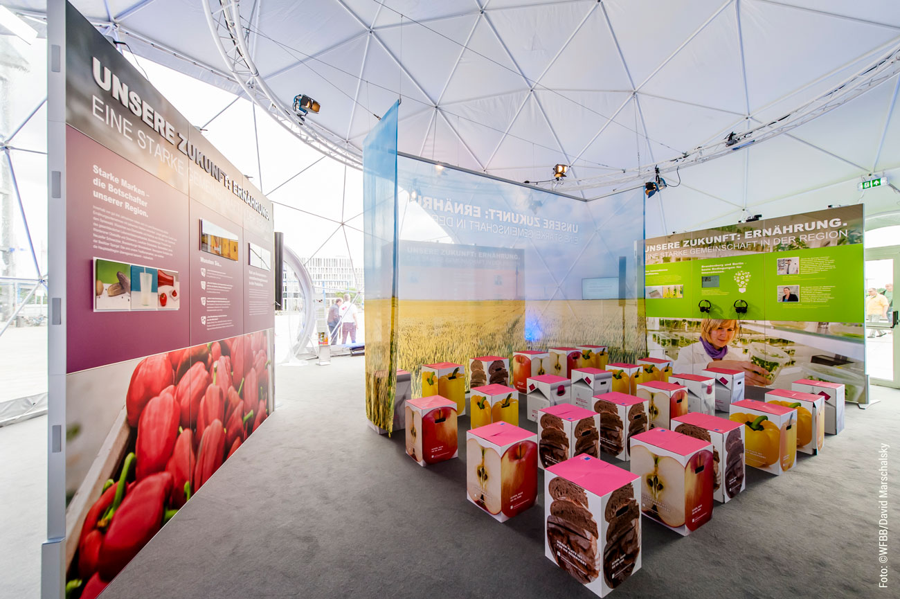 Ausstellung DIALOGTAGE Washington Platz Berlin